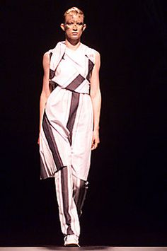 Bernhard Willhelm Fall 2001 Ready-to-Wear Fashion Show Fashion Show, Fashion Design, Modern Luxury, Branding Design, Ready To Wear, Fall, Model, How To Wear, Beauty