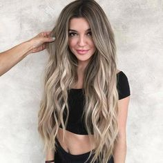 fall blond wig #SurfHair Ombre Blond, Brown Blonde Hair, Ombre Hair Color, Blonde Wig, Blonde Highlights On Dark Hair All Over, Brunette Hair, Grey Hair, White Hair, Grey Balayage