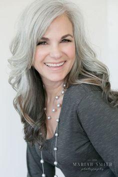 grey-hair-color-Women-Over-40-2017.jpg (564×846)