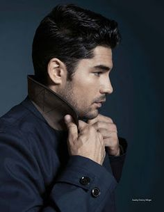 The actor looks classic no matter what he's wearing Actors Funny, Hot Actors, Actors & Actresses, Dawn Pictures, Guy Pictures, Dj Cotrona, Zane Holtz, Male Fashion Trends, Moda Masculina