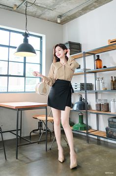 Everyday Casual Outfits, Cute Lazy Outfits, Office Outfits Women, Classy Outfits, Chic Outfits, Fashion Outfits, Korean Girl Fashion, Ulzzang Fashion, Korea Fashion