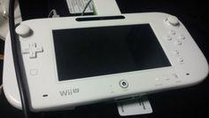 "El mando de la Wii U asoma ""la patita"" http://www.xataka.com/p/91710"