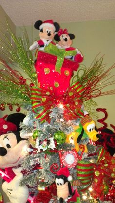Disney tree with Mickey and Minny Topper! Disney Christmas Decorations, Mickey Mouse Christmas, Peanuts Christmas, Christmas Tree Toppers, Christmas Holidays, Christmas Crafts, Christmas Tress, Christmas Stuff, Christmas Wreaths