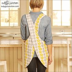 Crossback Reversible Apron sewing pattern by Indygo Junction – IndygoJunction Child Apron Pattern, Vintage Apron Pattern, Diy Hair Accessories, Sewing Accessories, Fashion Accessories, Unique Fashion, Diy Fashion, Fashion Ideas, How To Make Aprons
