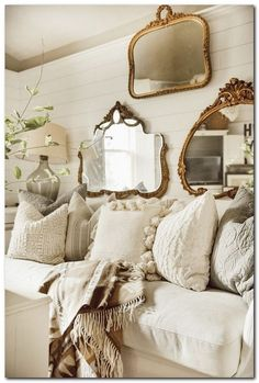 47 Adorable French Country Living Room Interior Decoration Ideas To Have . - 47 Adorable French Country Living Room Interior Decoration Ideas To Have – 47 Adorable French Cou - French Country Rug, French Country Bedrooms, French Country Living Room, French Country Decorating, French Living Rooms, French Country Furniture, Decoration Hall, Interior Room Decoration, Bedroom Decor