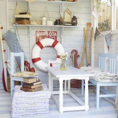 29462f8cfdc6dc0a99bc5f75bd050593Looking for some beach hut interior ideas? Here my favourites and some tips on where to source your own.