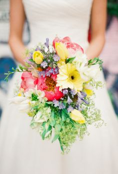 Pops of color | Photography: Lindsay Madden Photography - lindsaymaddenphotography.com  Read More: http://www.stylemepretty.com/2015/05/20/eclectic-colorful-brooklyn-wedding/