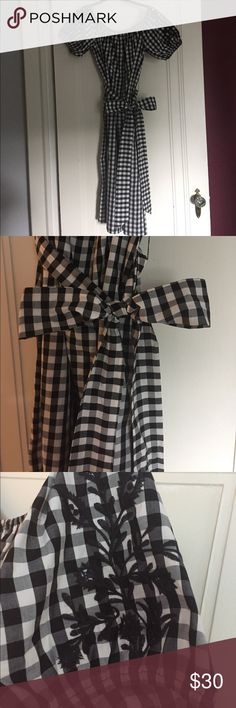 "Who What Wear Gingham Check Target Dress Super cute and I think sold out 55% cotton 45% poly crisp dress from Target. On trend off the shoulder and beautiful embroidery on the sleeves and a lovely long dash to tie into the perfect bow. Lying flat bust is 23"", length is 43"" but that is with it being up on the shoulder. I wear a 16 and it fits but I'm really busty and wish it was a 16w to be more comfortable in the bustline. The ladies in the fitting room loved it on me, but it just doesn't…"