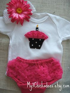 cupcake applique onesie
