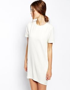This white dress is so classy. Would love to wear this with my white Birkenstocks and a pair of chunky sunglasses.  Find it here: http://asos.to/1sH19tx