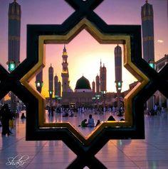Masjid Al-Nabawi, Medina Munawarah Islamic Images, Islamic Pictures, Islamic Art, Islamic Videos, Islamic Quotes, Masjid Haram, Al Masjid An Nabawi, Star Wars Darth Vader, Medina Mosque