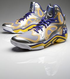 Up Close With Steph Curry's Under Armour Anatomix Spawn Silver Player Exclusive