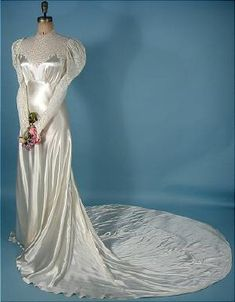 Wedding Gown of Bias White Satin, Trained with Lace Bodice! Wedding Gown of Bias White Satin, Trained with Lace Bodice! Antique Wedding Dresses, 1930s Wedding, Wedding Dress Styles, Bridal Dresses, Vintage Outfits, Vintage Gowns, Vintage Bridal, Moda Vintage, Vintage Mode