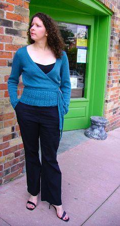 Ravelry: Ivy pattern by Glenna C. Free on Knitty Knitting Patterns Free, Free Knitting, Fun Patterns, Knitting Sweaters, Wrap Cardigan, Cardigan Pattern, In Natura, Vogue Knitting, Wrap Pattern