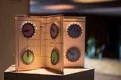 """""""Concertina"""" de Claudia González Godoy investiga la relación entre alta y baja tecnología con procedimientos artesanales."""