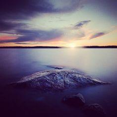 La calma que precede a la tormenta. . Foto por Anders Jildén .