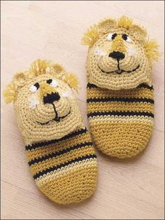 "Lion Slippers-Sizes include small (8 1/2"" sole), medium (9 1/2"" sold)and large (10 1/2"" sole)."