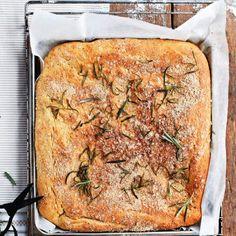 Rosmariini-focaccia Quiche, Banana Bread, Breakfast, Desserts, Food, Breads, Morning Coffee, Tailgate Desserts, Deserts