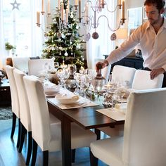Uma mesa pronta para o Natal. #cadeiras #mesas #decoração #IKEAPortugal