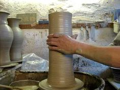Throwing a big clay pottery vase on a potters wheel quickly demonstration demo how to pot throw
