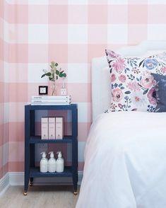 Blush wallpaper! | Caitlin Wilson