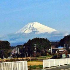 4/2/2014, 7:10am, 12℃/54℉.  Mt.Fuji in Shizuoka Japan.  静岡県裾野市から見た富士山