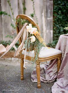 Photography: Koby & Elizabeth Brown, KobyBrown.com | Swan House in Atlanta, GA | Historic Venue Wedding | Estate Wedding | Manor House Wedding | Vintage Lace Wedding Gown: Gossamer | Model: Nicole Gatlin | Organic Floral Bouquet: Gertie Maes