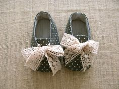 Robby Baby Shoes  PDF Pattern  Newborn to 18 by littleshoespattern, $4.50
