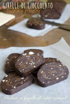 girelle di cioccolato nutella e nocciole senza cottura ricetta rotolo al cioccolato freddo senza forno