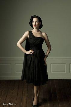 """Le blog de Letilor: Dita Von Teese sort une collection exclusive de robes pour toutes les tailles """"Muse """"."""