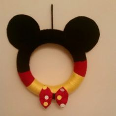 Mini Mickey Mouse Yarn Wreath! Created by: Coutured Creations CouturedCreations@gmail.com Instagram.com/coutured.creations
