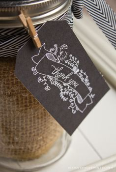 Chalkboard thank you tags for all your gifts of gratitude and appreciation this Thanksgiving season. A super cute addition to your DIY gift!