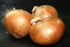 How to Garden Onions in a Container http://www.ehow.com/how_6696549_garden-onions-container.html
