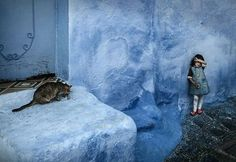 Alfredo Oliva Delgado (@alfredooliva) took this photo in #Chechaouen #Morocco. This small city is a true paradise for photographers he says Sometimes when we observe an image we are not aware of some hidden visual elements or details but even if we are not aware of those details they can influence our emotions and behaviors. When I took this photo I did not see those stains or shades on the wall that look like a threatening face but I think that the hidden face contributes to generating a…