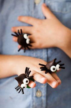 Black Luminous Spider Shaped Ring Halloween Toy Diy Decorative Small Spider Ring Plastic Spiders Rings To Win A High Admiration Biology