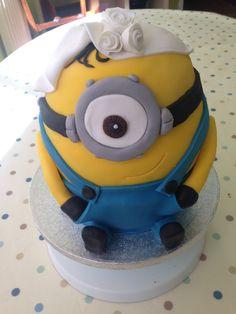 Bridal minion cake