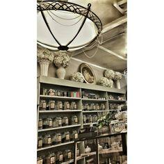 See this Instagram photo by @giselle_loves_ny •   @florriekayes #gisellelovesny #newyork #ny #tearoom #tea #teahouse #teacups #teacup #carmel #giselle #love #picoftheday #instagood