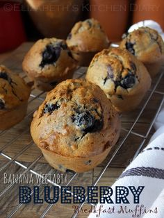 This half batch of deliciously spiced blueberry muffins is made with leftover Weetabix and other store-cupboard ingredients. Weetabix Muffins, Weetabix Cake, Blueberry Oat Muffins, Blueberry Breakfast, Blueberry Recipes, Breakfast Bars, Breakfast Muffins, Healthy Cake, Healthy Baking