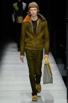 https://www.vogue.com/fashion-shows/fall-2018-menswear/bottega-veneta/slideshow/collection#18