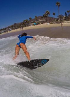Surfing holidays is a surfing vlog with instructional surf videos, fails and big waves Surf Girls, Beach Girls, Beach Babe, Wind Surf, Hot Surfers, Foto Sport, Surf City, Water Photography, Windsurfing