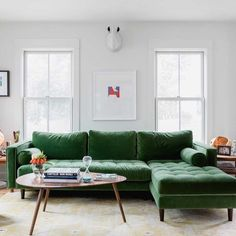 Sven Grass Green Right Sectional Sofa Living Room Green, My Living Room, Living Room Decor, Tufted Sectional, Living Room Sectional, Emerald Green Sofa, Green Velvet Sofa, Decoration, Living Room Designs