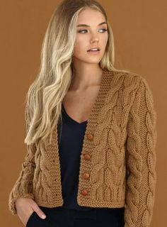 Knitting Patterns Cardigan Alpaka – we knit beautiful things. Knit Cardigan Pattern, Chunky Knit Cardigan, Crochet Cardigan, Knit Crochet, Grey Sweater, Chunky Knitting Patterns, Knitting Designs, Knit Patterns, Hand Knitting