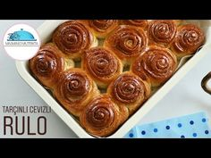 Muhteşem Oluyor👌TARÇINLI CEVİZLİ PAMUK RULO Tarifi✔Cinnamon Rolls #masmavi3mutfakta - YouTube Cinnamon Rolls, Breakfast, Desserts, Cupcake, Pizza, Food, Youtube, Morning Coffee, Tailgate Desserts