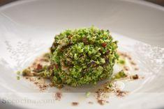 ¿Habéis probado el brócoli crudo? En este cuscús de brócoli se deja crudo, o casi, y está delicioso. Todo un descubrimiento.