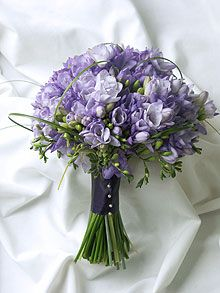 would be nice mixed with calla lilies Purple Wedding Bouquets, Flower Bouquet Wedding, Floral Wedding, Flower Arranging Courses, Freesia Bouquet, April Wedding, Calla Lily, Wedding Planning, Wedding Ideas