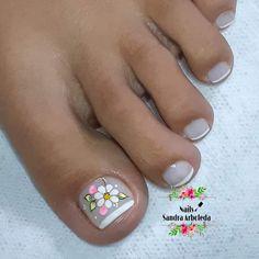 Pedicure, Hair Beauty, Nails, Toenails, Designed Nails, Toenails Painted, Simple Toe Nails, Giraffe Nails, Nail Polish Designs