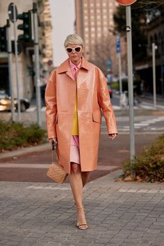 13 Totally Wow Street Style Outfits From Milan Fashion Week Milan Fashion Week street style February Elisa Nalin in a peach patent coat Street Style Outfits, Milan Fashion Week Street Style, Milan Fashion Weeks, Cool Street Fashion, Street Style Looks, Trendy Fashion, Fashion Outfits, Womens Fashion, Fashion Trends