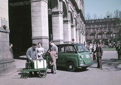 Stabilimento di Mirafiori. Linea di finizione delle Fiat Nuova 500, 1958, Italia, Torino Esposizione delle Fiat Nuova 500 in piazza Castello in occasione del lancio della vettura, 1957, Italia, Tor…