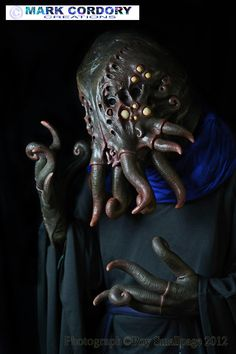Cthulhu mask used as a 'Mind Flayer' for Mythlore LARP event by Mark Cordory Creations (photo courtesy and © Roy Smallpage)