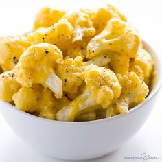 This healthy, low carb cauliflower mac and cheese recipe is made with just FIVE INGREDIENTS! Only 5 minutes prep time, too.